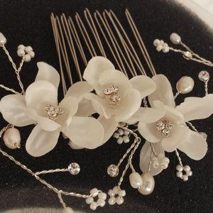 David's Bridal Hair Comb Headpiece Collection